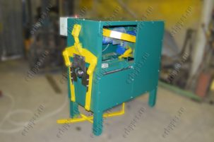 Elbow forming machine of the pipe with pipe lock